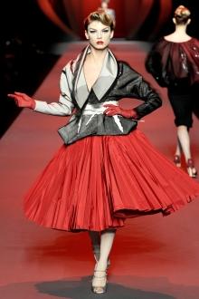 Недели моды в Нью-Йорке, Лондоне, Милане, Париже