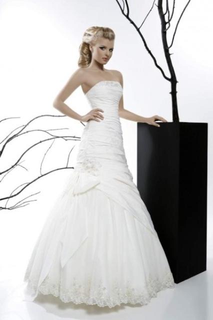 Вы просматриваете изображения у материала: Love Story - свадебный салон