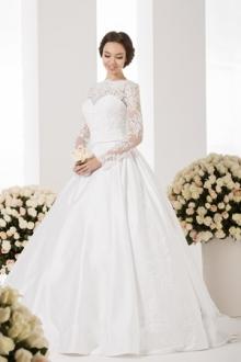 Кристалл ждет невест по новому адресу